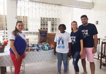 Grupo base Água Viva da equipe cidade de Maceió faz Ação Social.