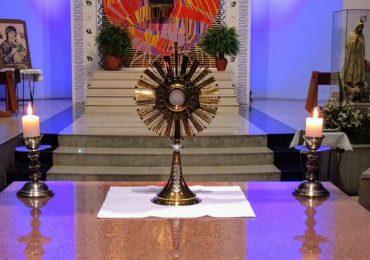 MFC Telêmaco Borba: Adoração ao Santíssimo